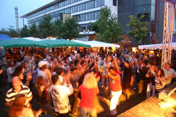 Weinfest 2007, Tanz vor der Bühne